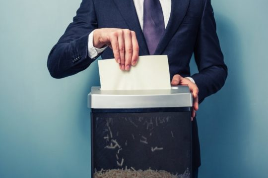 4-Benefits-to-Outsourcing-Your-Paper-Shredding.jpg